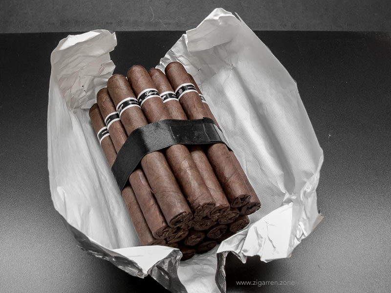 tatuaje.black.label.corona.gorda.12