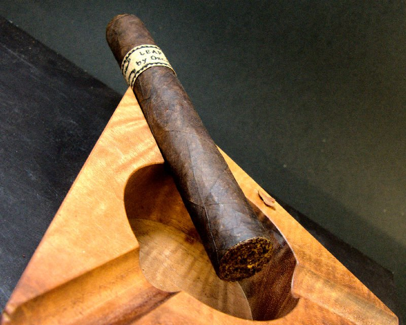 Leaf by Oscar Maduro Toro Einzel Review