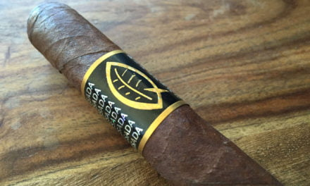 Preview Quesada Reserva Privada Oscuro Corona Gorda
