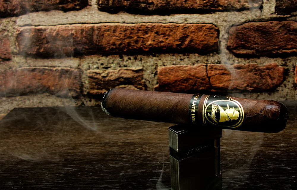 Pre-Tasting Winston Churchill The Late Hour Robusto