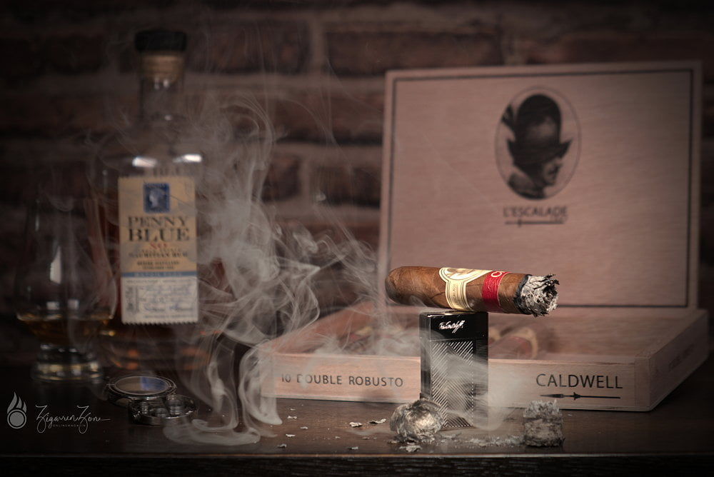 Caldwell LEscalade Swiss Edition 2018 Double Robusto 05