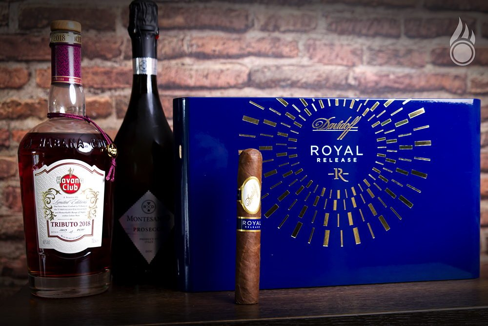 Royal Release Robusto Pairing 01