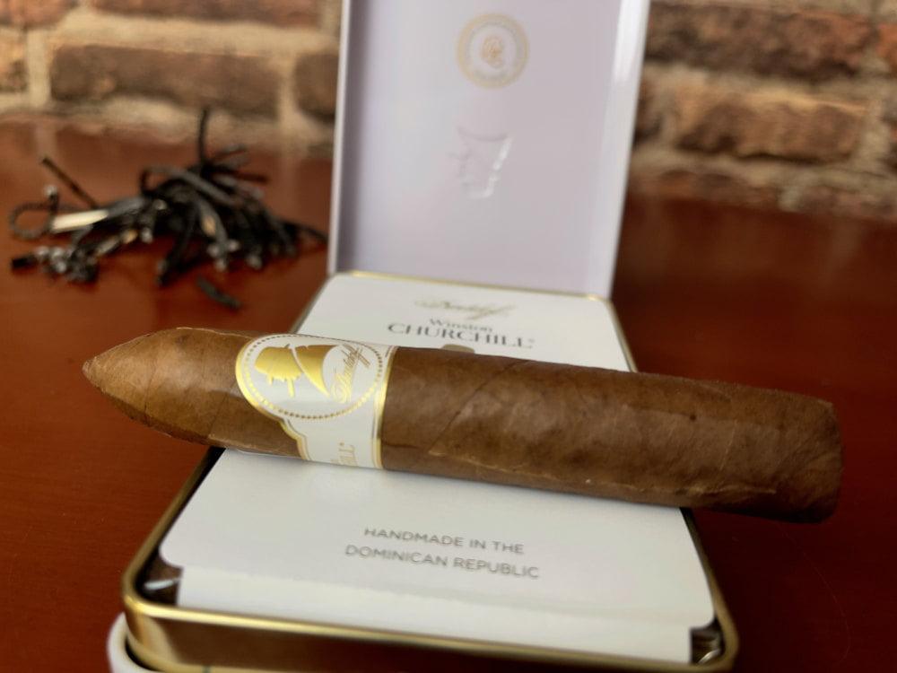 Die Zigarre hat eine Länge von 114 mm und das Ringmass 46.