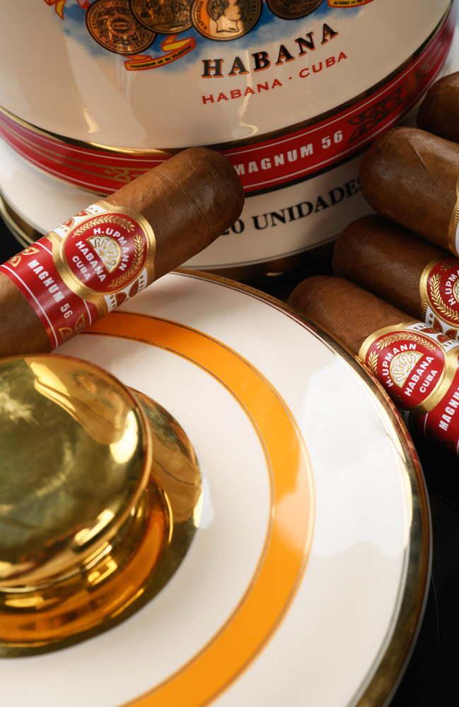 Zigarren und Jar separat. So will es das Gesetz.