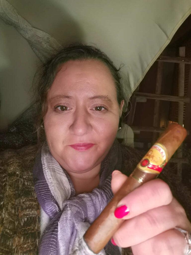 Samya gewann 20 er Kiste Joya de Nicaragua 107 Churchill